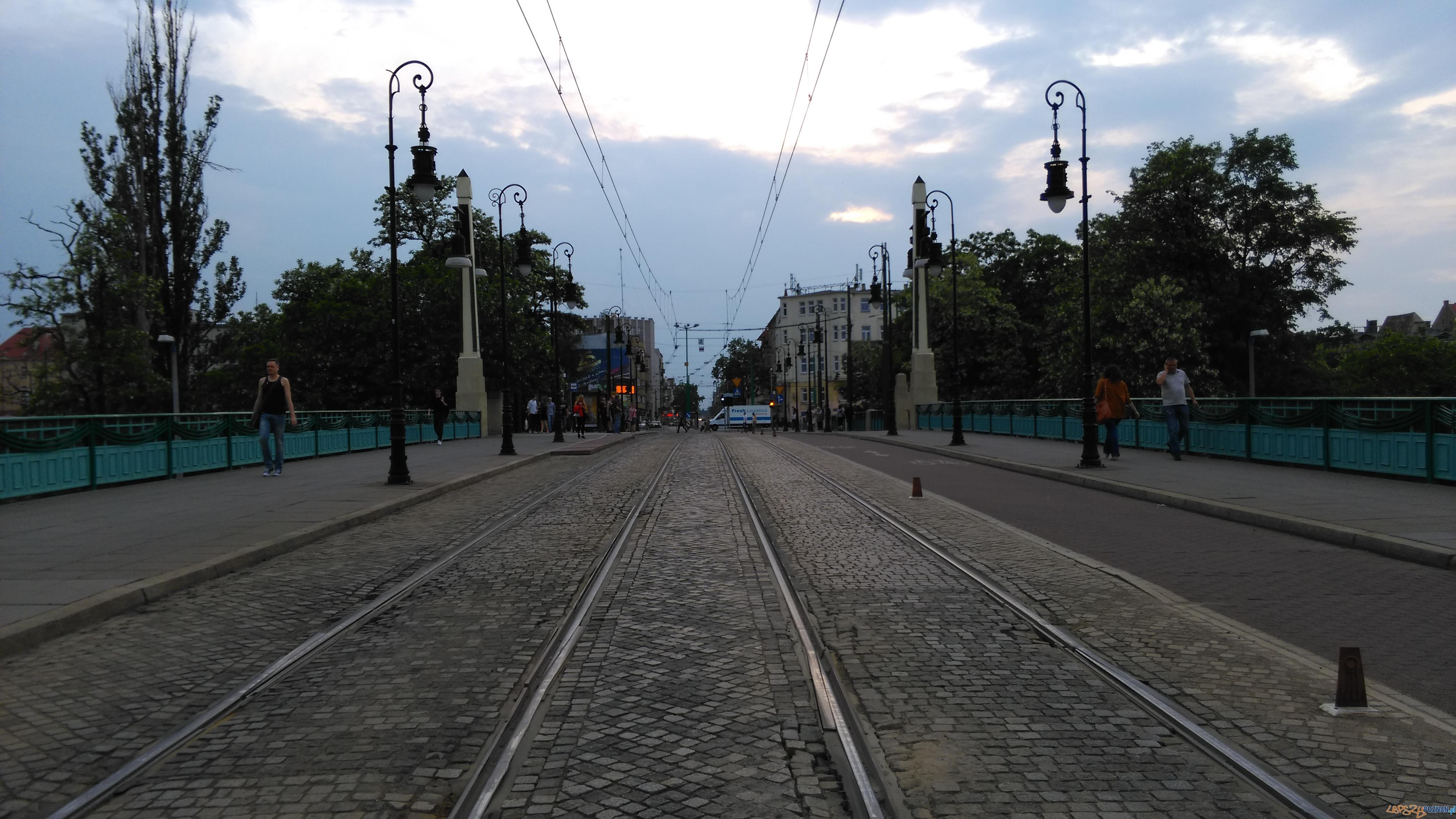 Most Teatralny o zmierzchu  Foto: TD
