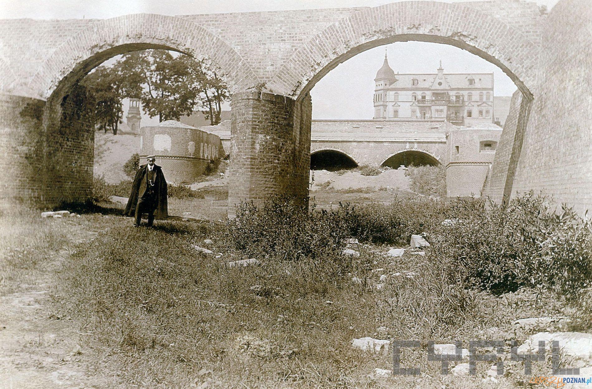Śluza Grobelna 1911  Foto: Joseph Latzel Ze zb. Brigitte i Everhardta Franßen CK Zamek - Cyryl