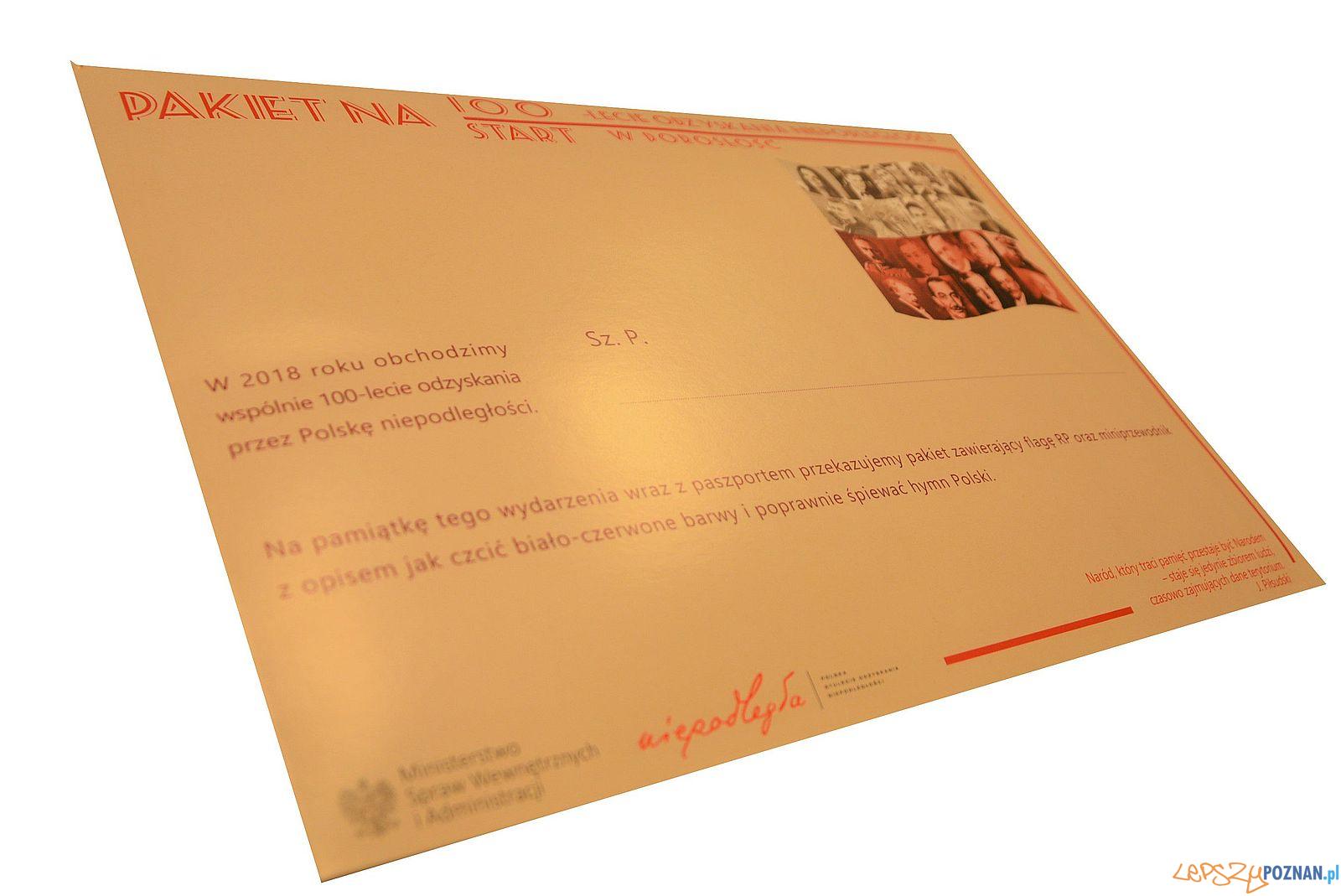 Pakiet paszportowy z okazji odzyskania niepodległości  Foto: WUW