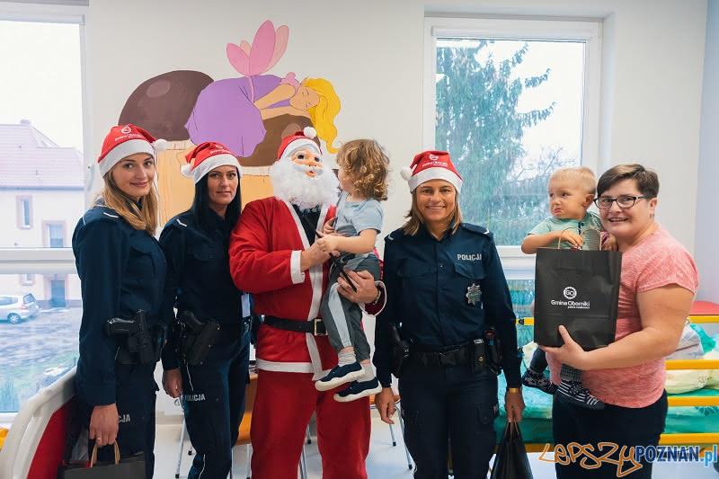 Święty z policyjną eskortą  Foto: KPP w Obornikach