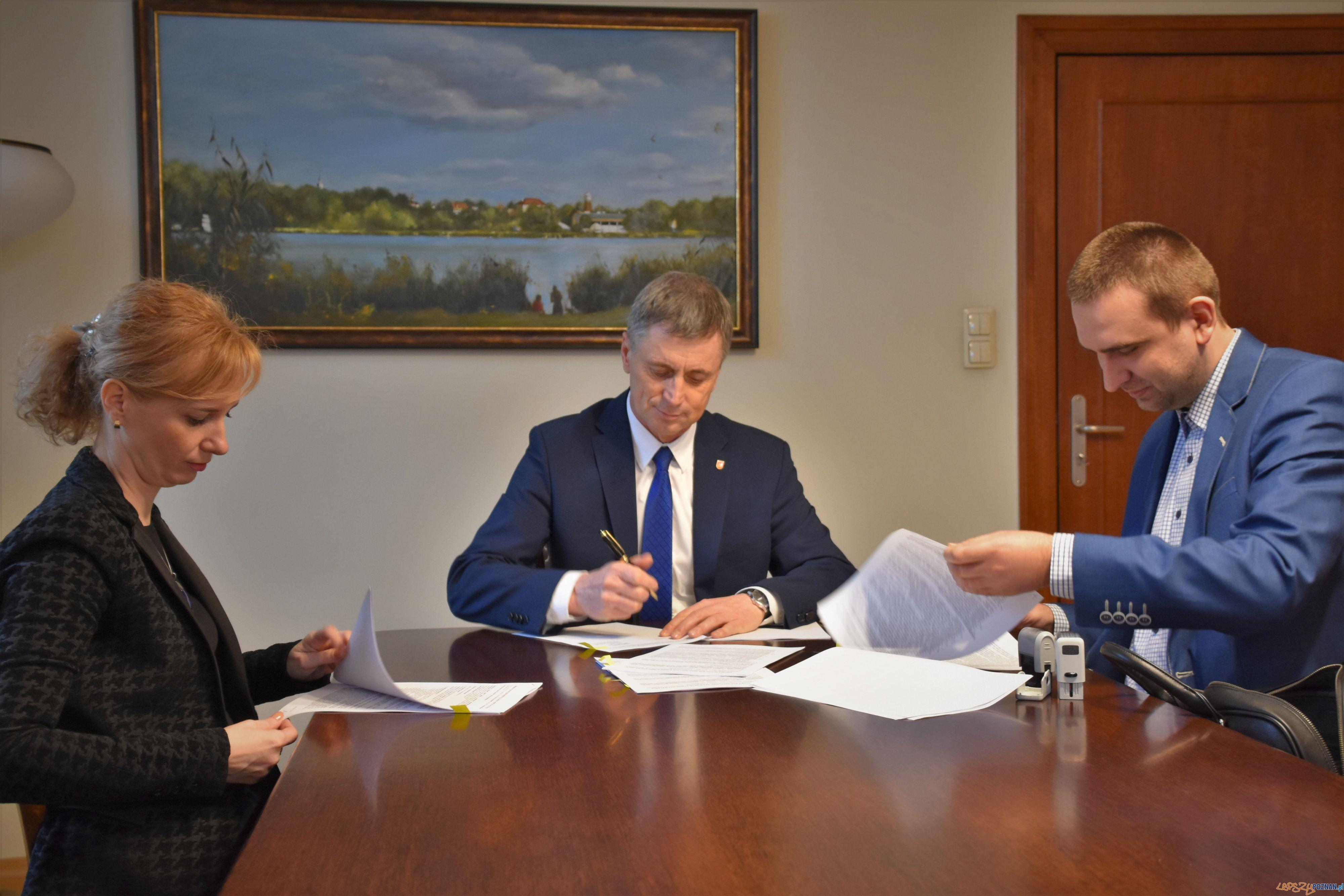 Swarzędz podpisanie umowy  Foto: UMiG w Swarzędzu