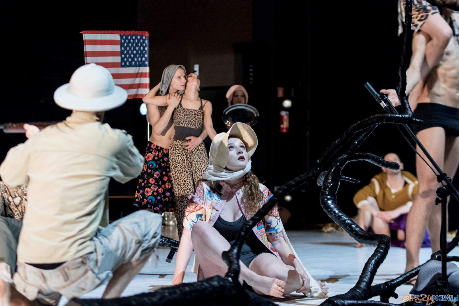 Polski Teatr Tańca - Obiecana Ziemia Obiecana  Foto: Ewelina Jaskowiak