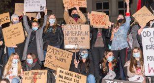 Strajk Kobiet Poznań: Aborcja wszedzie, bo była jest i będzie  Foto: LepszyPOZNAN.pl / Paweł Rychter