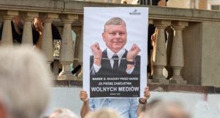 #MuremZaTVN - W obronie niezależnych mediów  Foto: lepszyPOZNAN.PL/Piotr Rychter